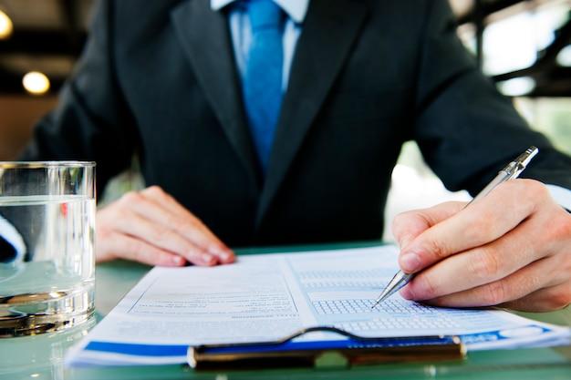 Conceito de trabalho do contrato de aplicação da escrita do homem de negócios