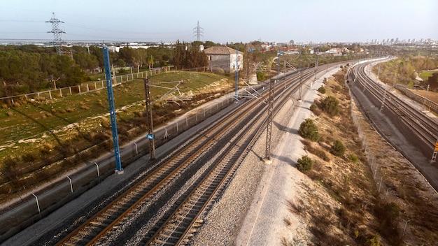 Conceito de transporte com vista aérea da ferrovia