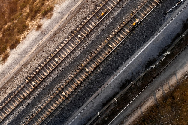 Conceito de transporte com vista superior das ferrovias Foto gratuita