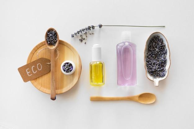 Conceito de tratamento de spa de produtos eco lavanda