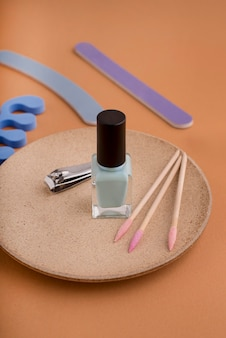 Conceito de tratamento de unhas com esmalte de alto ângulo
