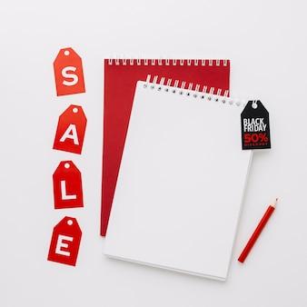 Conceito de venda de mock-up de bloco de notas sexta-feira negra