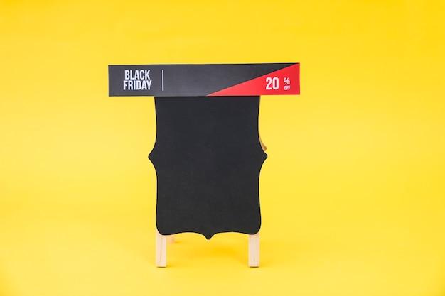 Conceito de vendas de sexta feira preta com banner a bordo