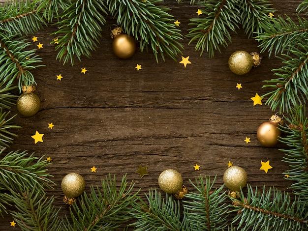 Conceito de véspera de natal na mesa de madeira