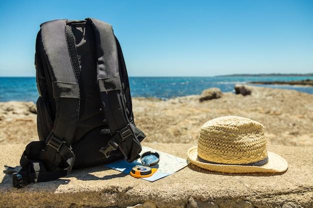 Conceito de viagem com mochila
