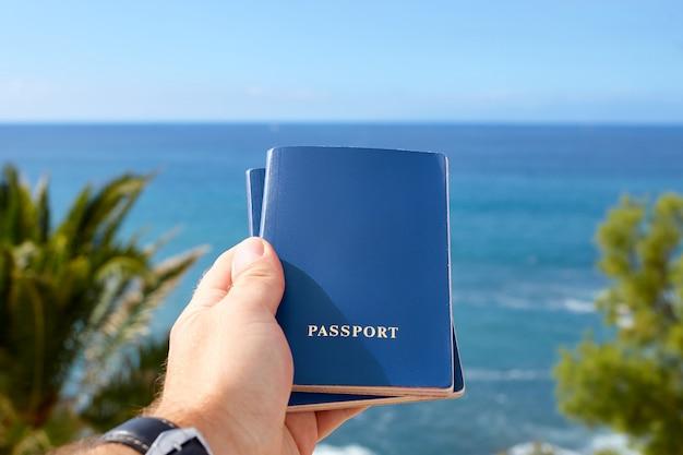Conceito de viagens ou turismo, passaportes internacionais.
