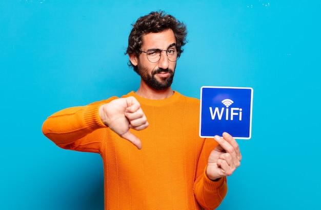 Conceito de wi-fi gratuito para jovem barbudo