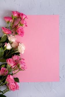 Conceito dia dos namorados plano de fundo dia dos namorados. rosas em rosa pastel