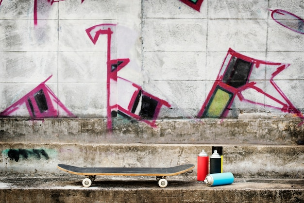 Conceito do moderno do estilo de vida do skate da arte da rua