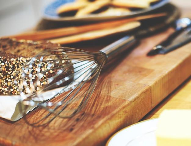 Conceito dos ingredientes da pastelaria dos ovos do cozinheiro do cozimento da padaria