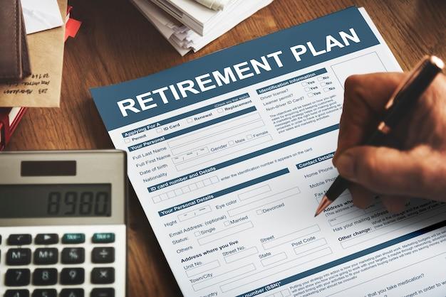 Conceito financeiro de seguro de formulário de plano de aposentadoria