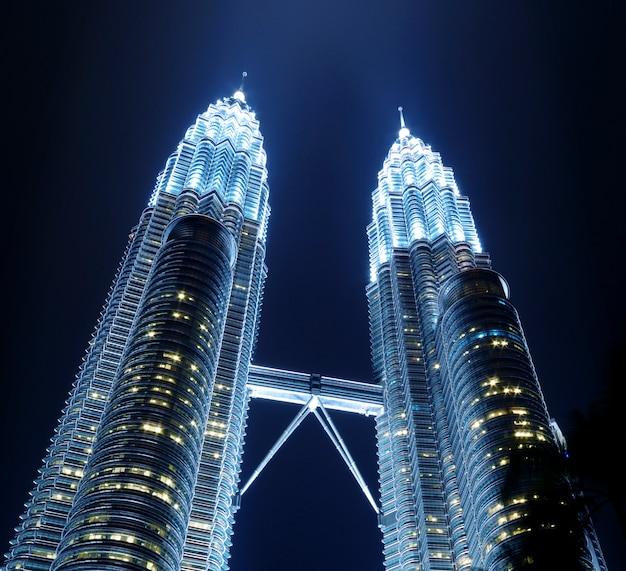 Conceito metropolitano do marco da cidade das torres de petronas