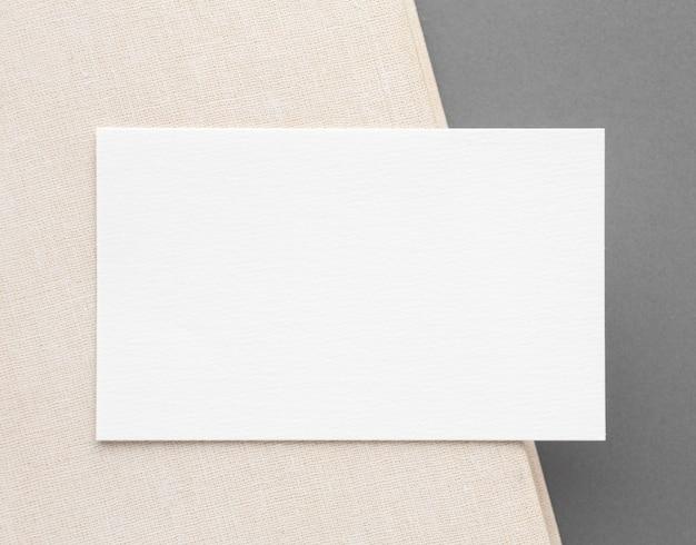 Conceito minimalista de cartão de visita de vista superior
