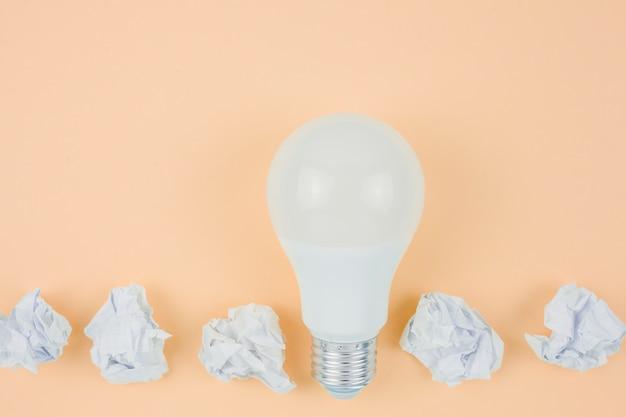 Conceito negócio, com, lightbulb