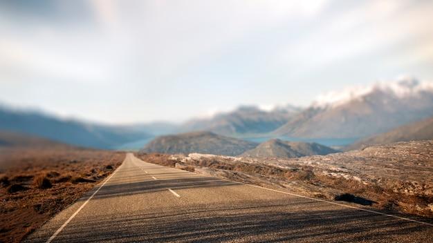 Conceito rural do destino do curso da estrada de contry da paisagem