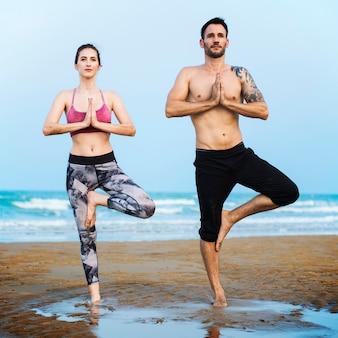 Conceito sereno calmo do abrandamento da concentração da meditação da ioga