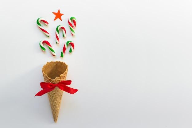 Conceito simples natal inverno cartão com doces