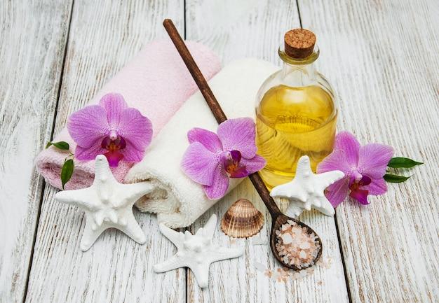 Conceito spa com orquídeas cor de rosa