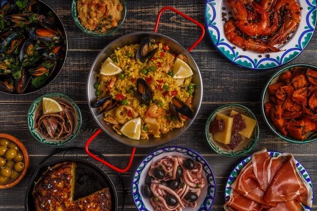 Conceito típico de tapas espanholas.