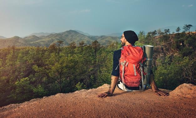 Conceito trekking do destino do curso da viagem da aventura da caminhada