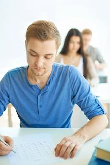 Concentrado para fazer seus exames