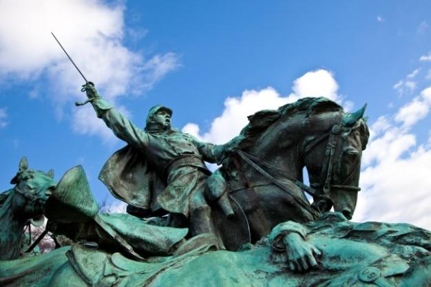 Concessão estátua cavalaria