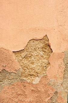 Concreto envelhecido com superfície descascada