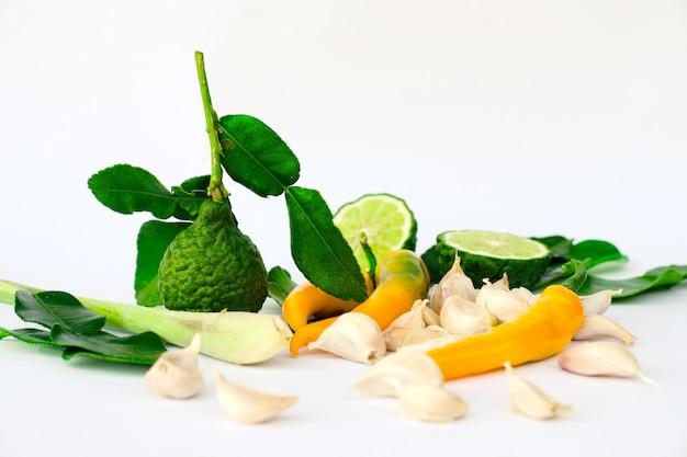 Condimento herbal de tailândia para cozinha e pasta de pimentão como limão de bergamota alho limão