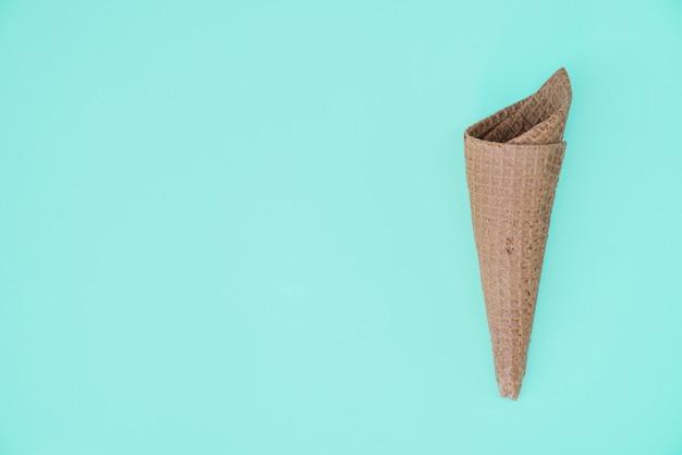 Cone de waffle preto vazio