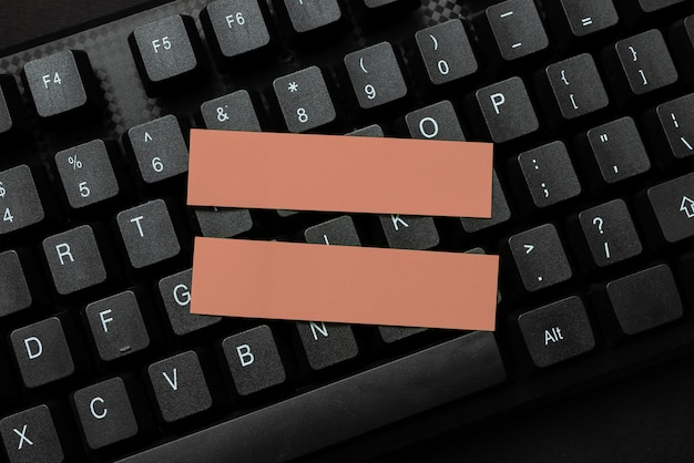 Conectando amigos on-line, fazendo conhecidos na internet, criando um ambiente cibernético seguro, pesquisando novas ideias, coleta de informações, ferramenta acadêmica moderna