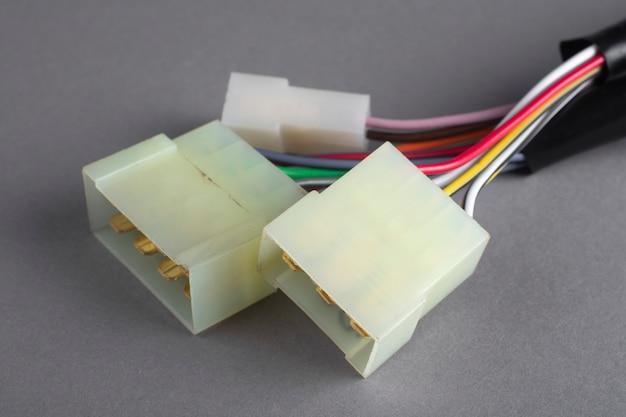 Conectores para fios elétricos. terminais elétricos do carro.