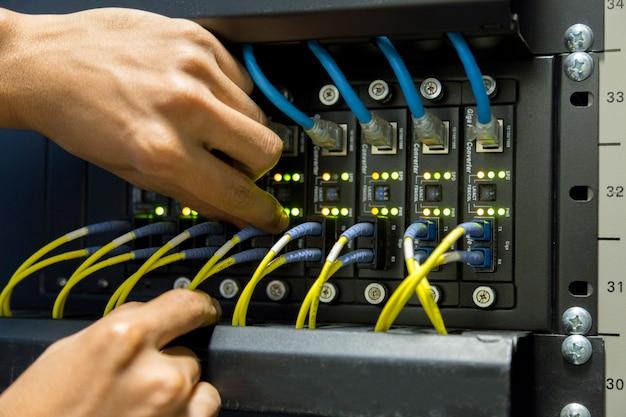Conexão de fibra ótica no swtich da rede principal