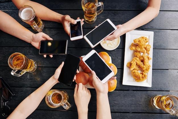 Conexão online durante a reunião