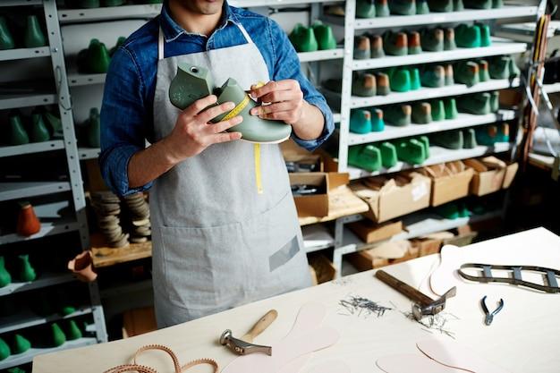 Confecção de calçados