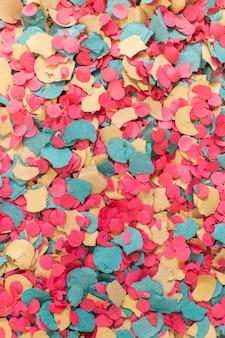 Confetes coloridos mistos
