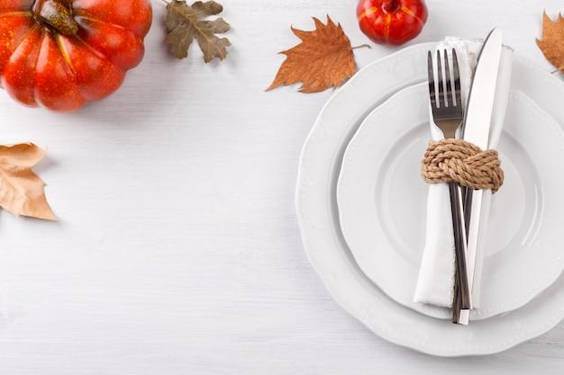 Configuração de mesa de ação de graças outono