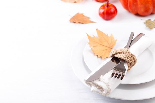 Configuração de mesa de outono de ação de graças