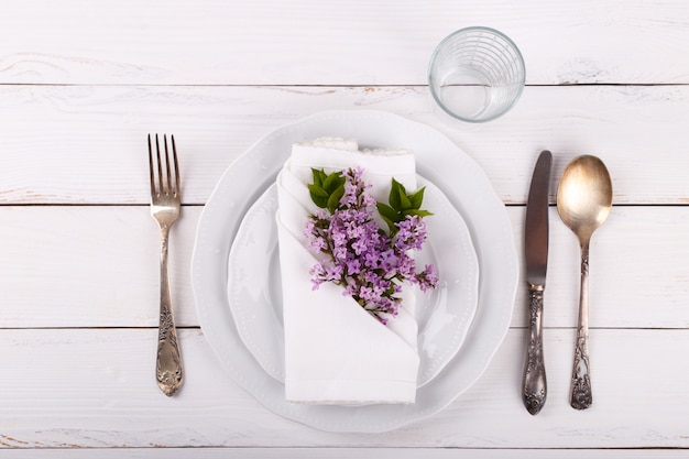 Configuração de mesa festiva de primavera