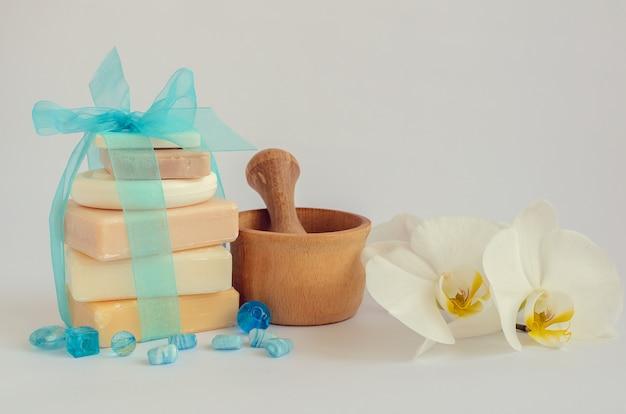 Configuração de spa com sabonetes naturais