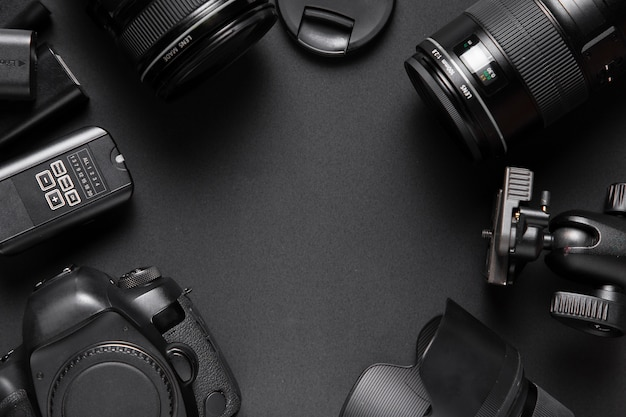 Configuração plana de acessórios de câmera com espaço para texto