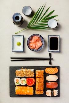 Configuração plana de conjunto de sushi