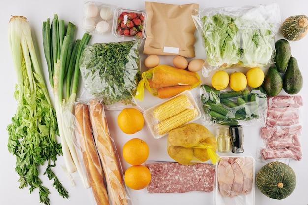Conjunto de alimentos saudáveis e frescos