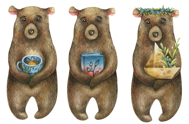 Conjunto de aquarela ursos marrons bonitos, segurando nas patas um barquinho de papel com um ramo de bagas azuis, um livro e uma xícara azul de chá.