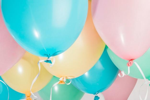 Conjunto de balões de festa colorida