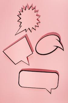 Conjunto de bolha preta discurso de fala em fundo rosa