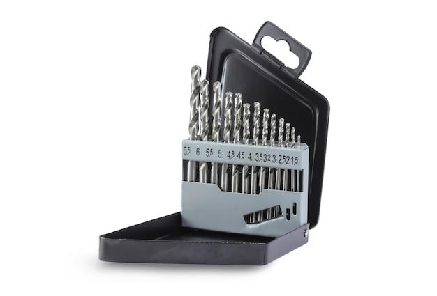 Conjunto de brocas de diferentes calibres na caixa