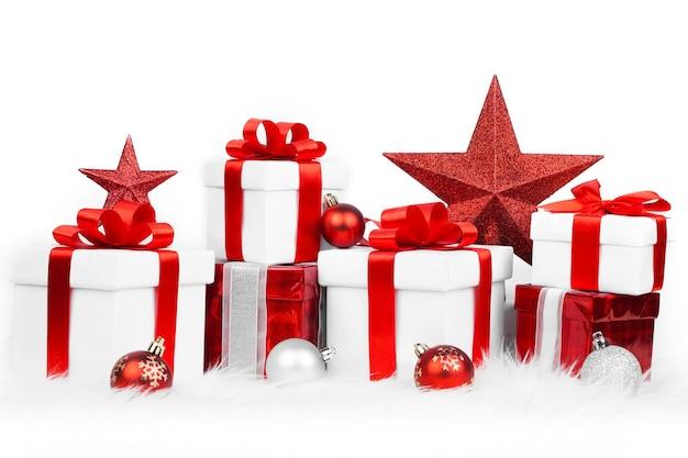 Conjunto de caixas de presente de natal e enfeites de natal
