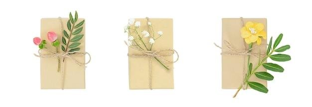Conjunto de caixas de presente de primavera isoladas em branco