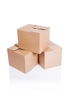 Conjunto de caixas isoladas em branco
