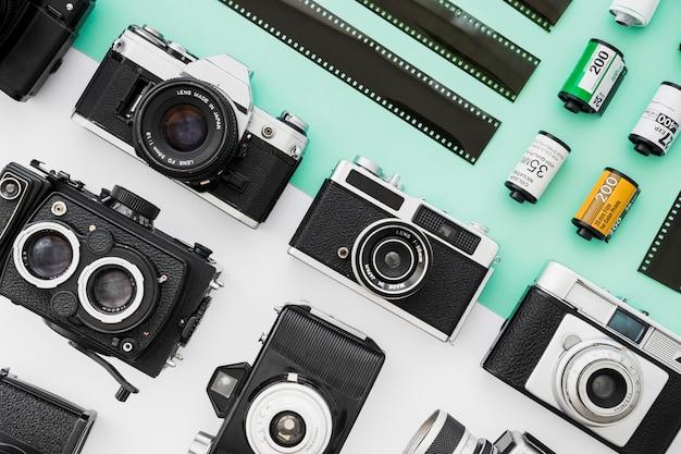 Conjunto de câmeras perto de filme Foto gratuita